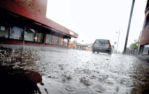 MER KRAFTIG REGN: Klimaendringene kan føre til kraftigere og mer hyppig regn i Innlandet med påfølgende fare for overvann og flom.