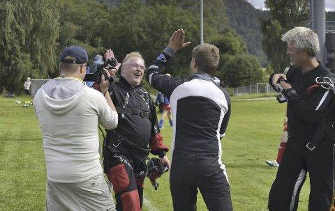 Krangel: Ingen skjønte en dritt, bortsett fra at Sigurd Juvik var forbanna, da Frps Knut Morten Johansen og Per Sandberg fikk hårføner'n på Kjølnes forrige lørdag. Foto: Tango Frisør