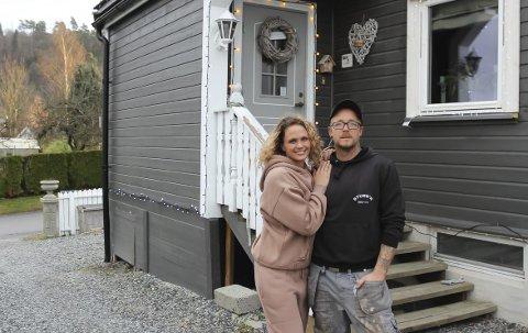 PORSGRUNNS FINESTE JULEHUS? Julehuset til Tonje og Espen Fredriksen Axling i Odins gate på Herøya kan oppleves som et flott skue helt fra Øyekast.