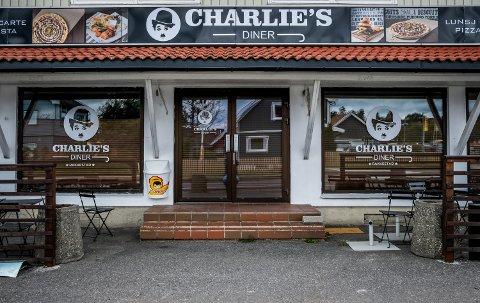 Torsdag ettermiddag åpner Charlie`s Diner dørene til sitt nye spisested i Rakkestad.
