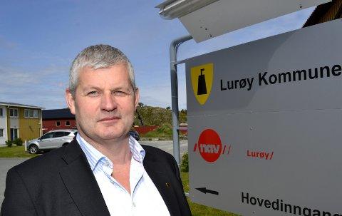 - Vi mener Helgeland Reiseliv AS ikke har levert de tjenestene vi forventet. Derfor har vi sagt opp samarbeidsavtalen med dem, sier rådmann Karl-Anton Swensen i Lurøy kommune.