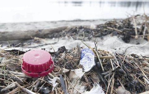 Plast er en betydelig kilde til forurensning, både på land og i havet. Foto: Terje Pedersen / NTB scanpix