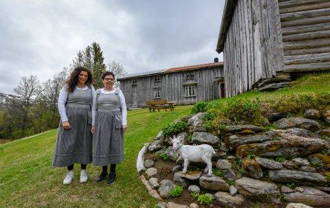 Ann-Synnøve Albertsen og mora Agdis Albertsen inviterer til åpen gård og åpning av ei restaurert kvern ved Inderdalen gård i Bryggfjelldalen.