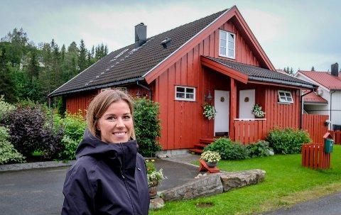 Megler Hanne Valrygg ved DNB Eiendom, sier det er lettere å selge velholdte hus. Denne boligen på Gruben ble solgt 310.000 kroner over takst.
