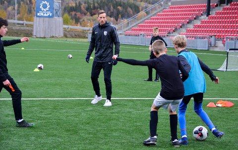 Jimmy Fjelldalselv står bak Helgeland Fotballutvkling som skal arrangere turnering i starten av august.