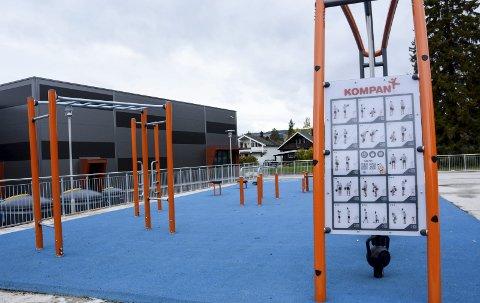 FOLKEHELSE: Mulighet for å trene i skoletiden og på kvelden ved Moelvhallen. Foto: Jan Rune Bakkelund