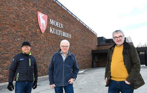 Tar tak: Jørgen Gudbrandsen (t.v.), Arve Nordengen og Tore Hermansson sørger for at kinotilbudet i Moelv består.