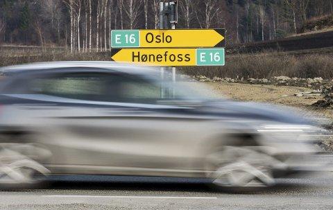 NTP-SPENNING: Hvordan kommer E16 til Oslo ut av Nasjonal transportplan? Engasjerte mennesker i distriktet venter spent på fagetatenes innstilling som legges fram på mandag.Foto: Frode Johansen