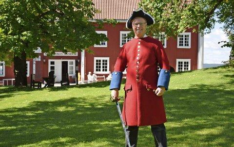 Vil selge ørepropper: – Dette kommer til å bli helt spektakulært, kruttrøyken vil rive i nesa, sier daglig leder og konservator ved Ringerikes Museum, Preben Johannessen.