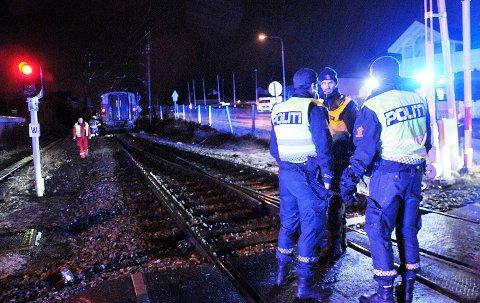 TAR TID: Det kan ta tid før årsaken til togulykken i Vikersund endelig fastslås, for ulykkeskommisjonens rapport vil trolig ikke være klar før om 11 måneder.