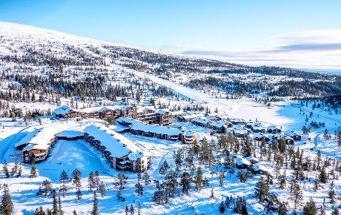 TØFF TID: I vanlige år er over halvparten av gjestene på Norefjell Ski & Spa fra utlandet. Nå frarådes også over 1,5 millioner nordmenn å reise ut av egen kommune. Om få uker er det vinterferie.