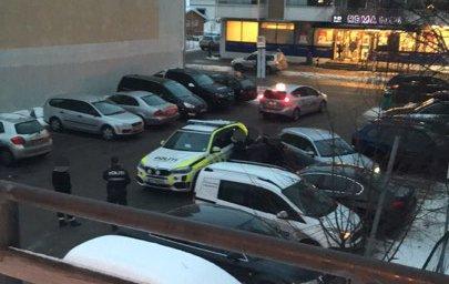 UENIGE: En parkeringsbot midt i julestresset endte med politiutrykning.