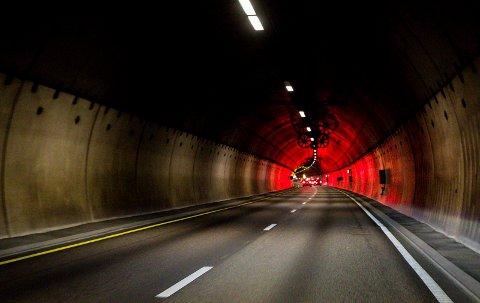 Tryggere tunnel: Rælinsgtunnelen på riksvei 159 skal utbedresi løpet av de neste fire årene. Det er forventet at oppgraderingen vil skape problemer for trafikantene. Foto: Tom Gustavsen