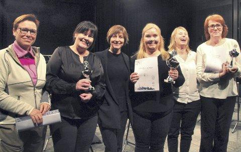 Glade: Karin Anthonisen (nr. 2 fra venstre) og Hilde Møller (nr. 3 fra høyre) i Ullensaker Janitsjar jublet over topplassering.