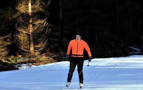 HAREHJELLEN: Skiløypene i Trøsken nærmer seg klare, men det gjenstår dog litt mer snøproduksjon før publikum igjen kan spenne på seg skiene.