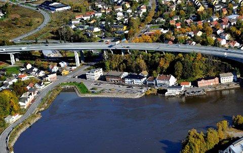 Flyfoto, Sandesund bru, sandesundsbrua, Glomma,  Sarpsborg sentrum, Sannesund,  *** Local Caption *** Foto: Jarl M. Andersen