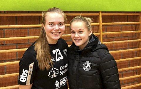 TOPPSCORERE: Mia Kvithyll (t.v.) og Rikke Midtfjeld ble toppscorere i hver sin kamp og fikk hver sin bestemannspremiene samtidig.