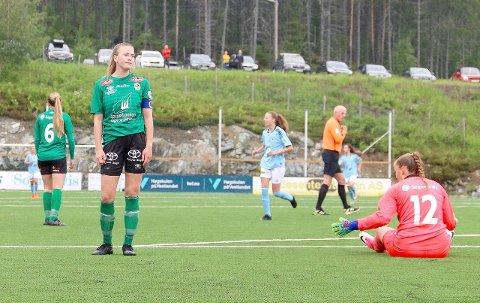 I TENKJEBOKSEN: Jannike Orrestad Andersen veit ikkje om ho blir med Kaupanger neste sesong. Dei grøne skal spela i 2. divisjon i 2020.