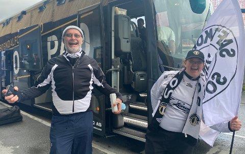 IKKJE ROSENBORG: Martin Lingås (63) og Ingunn Skogstad Lingås (40) er trønderar, men det er Sogndal som er favorittklubben.