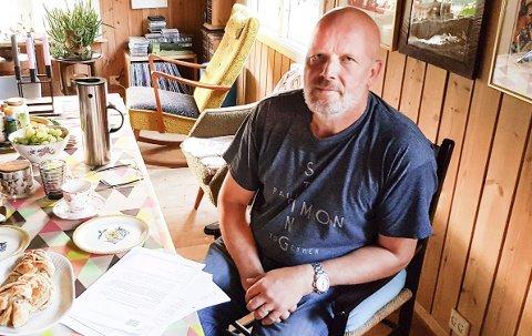 KJEMPER: Styremedlem i Naturvernforbundet Telemark, Torfinn Sanden                               reagerer på ulovlige tiltak på Bakkebufjellet og de enorme konsekvensene utbyggingen vil få. FOTO: DAG TINHOLT