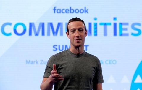 I oktober vil Facebook prøve ut en betalingstjeneste der brukerne blir bedt om å tegne abonnement etter å ha lest eller delt artikler gratis. Her Facebook-sjef Mark Zuckerberg. Foto: AP / Nam Y. Huh / NTB scanpix