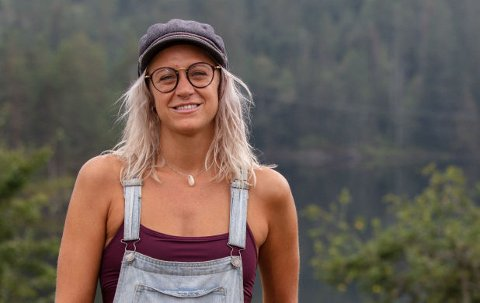 """""""Farmen"""": Silje Momrak (32) bytter surfbrett med gårdsliv i tv-serien som er lagt til en gård 100 år tilbake i tid."""