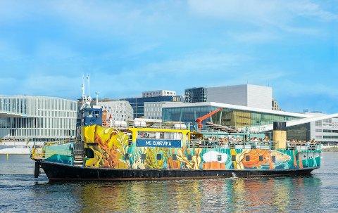 TURNE: Dette er båten artisten Vidar Villa skal turnere med neste sommer. Langesund blir ett av stoppstedene.