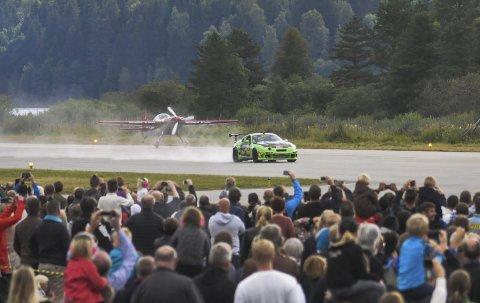 Flyvende seier: Andeas Vaa fikk en knallstart med sin bil,  vant igjen den populære fartsduellen.