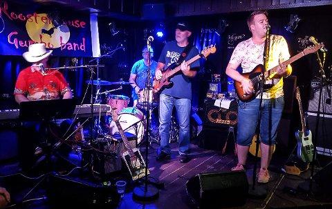 TOK SJANSEN: Simen Schjølberg fra Hammerfest var på bluesfestival for tre år siden også - og denne gang inntok han scenen også.