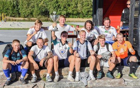 """Vinnere: """"Topp Kebab"""" vant årets NOKO-vennercup på Vidarvoll."""