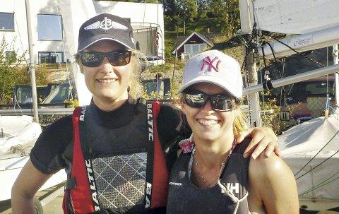 I NM: Maria Linden (til venstre) og Heidi Sandvig fra Kristiansunds Seilforening var med i NM sist helg.