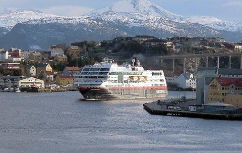 EXIT: Nor Lines må sette opp egen bilrute for å frakte gods mellom Nordmøre/Romsdal og Oslo etter at Hurtigruten stopper alle anløp sør for Bodø.