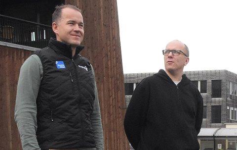 Daglig leder Anders Larsen (til venstre) og styreleder Rune Dalager i Laget Vårsøg har planene klare dersom koronarestriksjonene vedvarer slik at konserten «Julefryd» i Stangvik kirke søndag 6. desember ikke kan gjennomføres som planlagt.