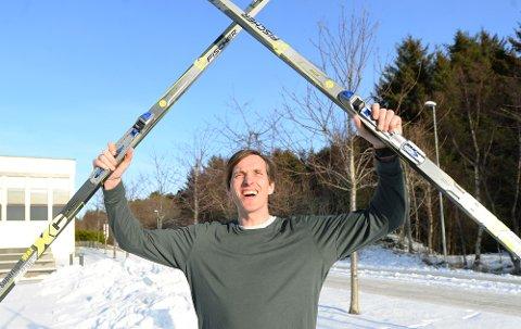 Eivind Haukenes håper barn i Kristiansund finner fram skiene lørdag.