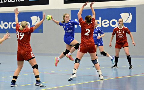 Emma Henden Høvik og KHKs kvinnelag har spilt sin siste kamp denne sesongen.