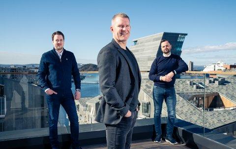 Asgeir Kvalvik (fra venstre), Jim Solbakken og Frank Spjelkavik Berget i Ulti Agency.