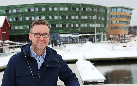 ARRANGØR: Rune Sørensen fra Andebu-firmaet Holgers gjør Quality Hotel Tønsberg om til en diger garasje helgen 3.-5. mars.