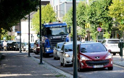 DÅRLIG MILJØ: Vi er enige i at en bilbasert by ikke vil være en god idé.l