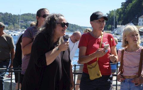 Festivalåpning: Line Lindland er både arrangør og konferansier under Munkefestivalen. Foto: Siri Fossing