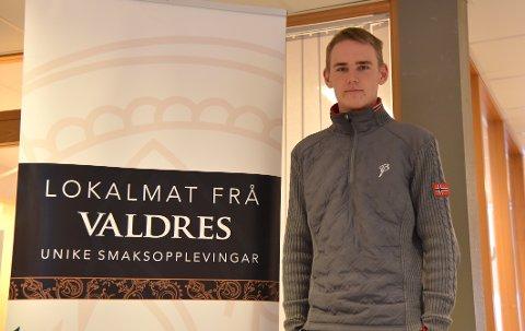 Philip Stensæter, daglig leder i Valdres FK, ønsker å tilby lokal mat under Sparebank1 Cup kommende helg (Foto: Lene Hovi)