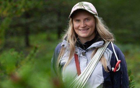 """Dokumentar: """"Arven fra vidda"""" følger Aina Nordfjell (25) til fjells i reindrifta for å finne ut om dette er livet hun egentlig ønsker seg."""
