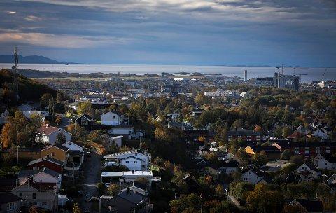Bodø by sett fra Rødbrekka-toppen. Oktober 2018.