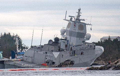 KNM Helge Ingstad kolliderte og havarerte ved Sture natt til 8. november.