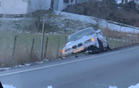 Her står bilen forlatt, ikke langt unna Stend videregående skole.