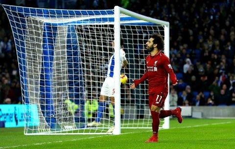 Vi stoler på Liverpool og Mohamed Salah i mandagens match mot West Ham i London. Her jubler egypteren etter  å ha scoret det første målet i kampen mot Brighton and Hove Albion. (Gareth Fuller/PA via AP)