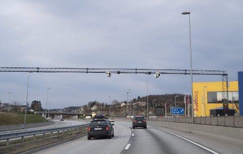 – Vi etterlyser et regnskap over bompengene som gir et riktig bilde av totalen, skriver Stig Skjøstad i NAF.