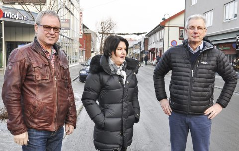 OPTIMISTER: Trond Weggersen (f.v.), Berit Drolsum og Rolf Krona er sikre på at det kommer inn nok penger.