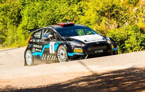 VANT IGJEN. Totalseier for Frank Tore Larsen i sin Ford Fiesta R5. Her fra Rally Larvik tidligere i sommer.