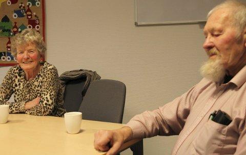 Ellinor Saunes og Harry Røed er svært nøgde med treningstilbodet til kommunen si fysio- og ergoterapiavdeling. Foto: Liv Standal