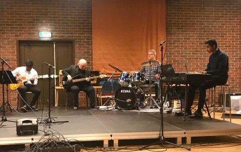 James Premraj, lærarane Eilif Vaardal og Ole Edvard Brendø og Ben Jefrey Bennet. Kulturskulekonsert. Jazz.